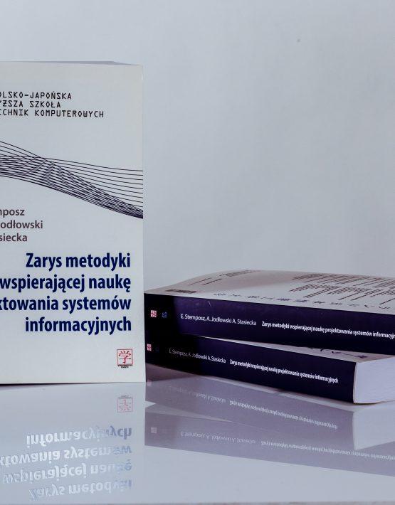 Książki Zarys metodyki wspierającej naukę projektowania systemów informacyjnych